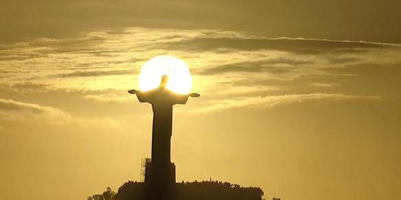 WK 2014 christ statue